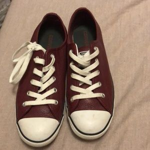 Perfect condition maroon leather low top converse!
